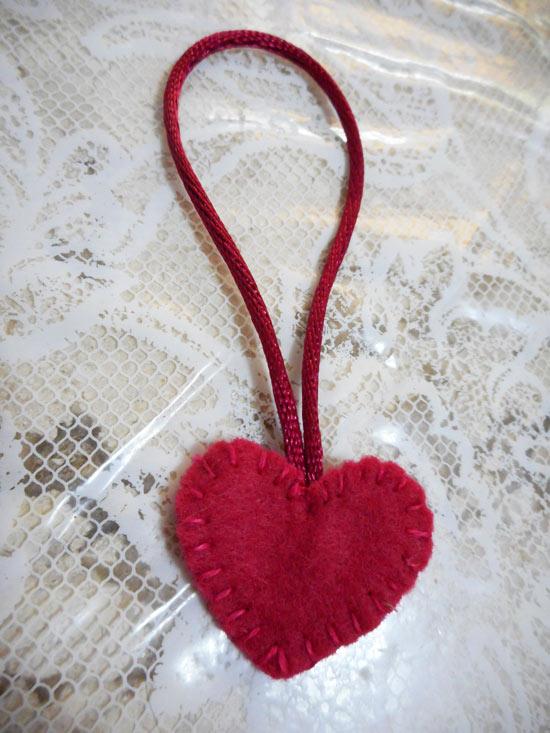 Lixa de unha decorada - ideia de lembrancinha para o dia da mulher