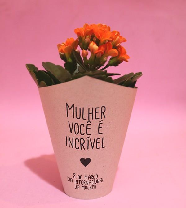 Lembrancinhas Dia da Mulher com vasinho de flores